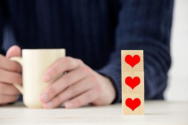 男性の好意は行動に出る! 恋愛心理学に基づく男性の脈アリ行動