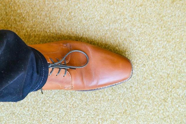 革靴 つま先