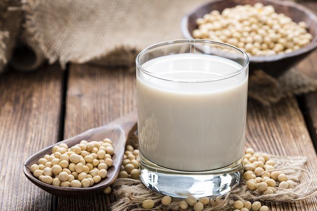 豆乳はバストアップに効果的!? 豆乳の正しい飲み方や摂取方法を徹底解説!