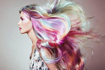 女性 髪 カラフル